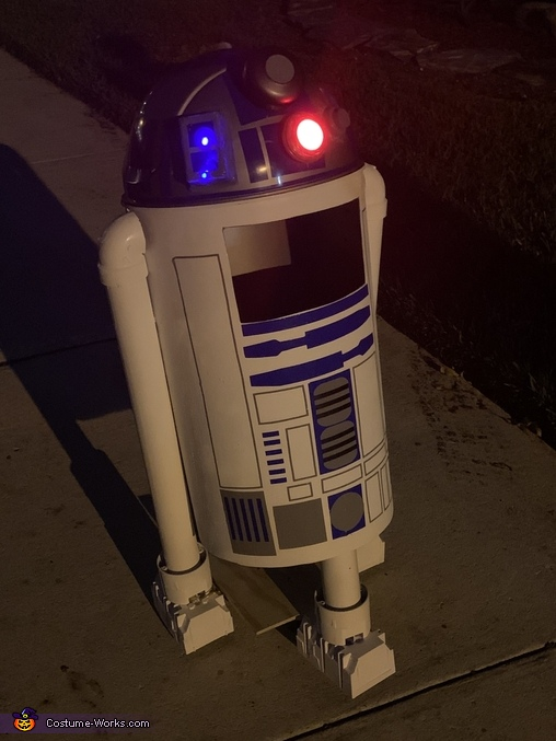 R2D2 at night - light features, R2D2 Costume