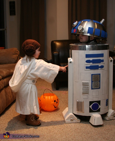 R2D2 and Princess Leia - Homemade costumes for kids