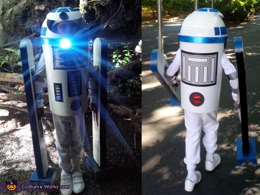 At the zoo with the headlight on and heading toward the exit!, R2D2 DIY Costume
