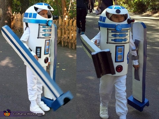 Marching through the Zoo, R2D2 DIY Costume