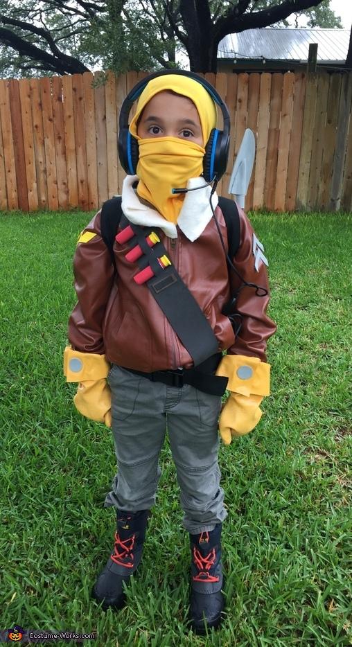 Raptor from Fortnite Costume