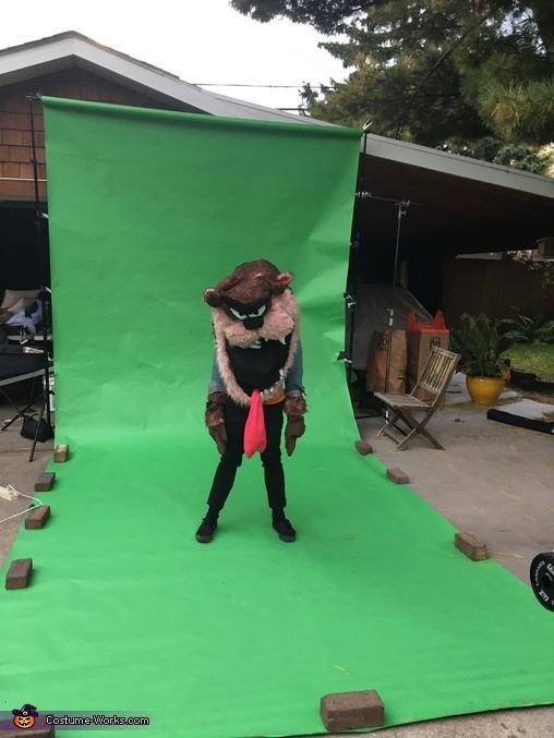 Raz on Green, Raz and Tweetz Costume