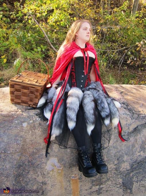 Sitting, Red Riding-hood's Revenge Costume