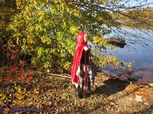 Hood up, Red Riding-hood's Revenge Costume