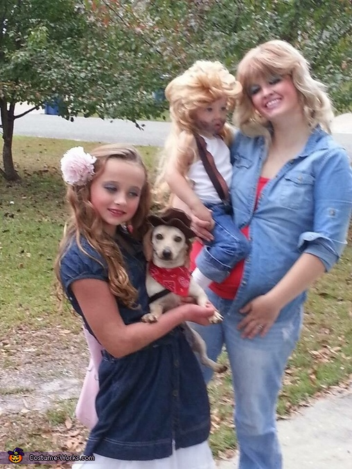 Classic Southern Family Costume