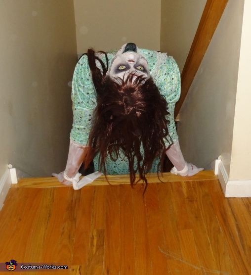 Regan stair pose, Regan from The Exorcist Costume