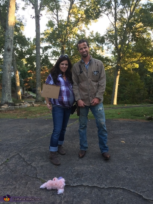 Rick and Laurie from Walking Dead Couple Costume