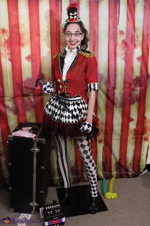 Disarm with a Smile, Ringleader Costume