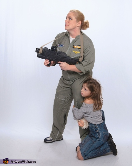 Aliens Movie Ripley and Newt Costume