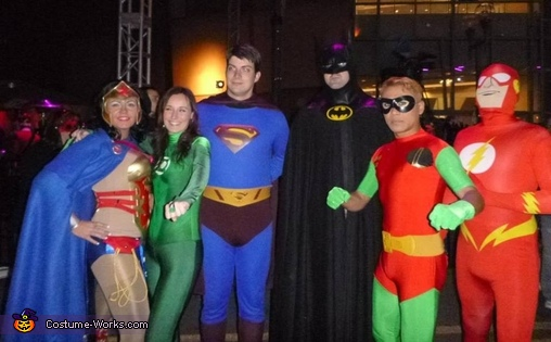 justice league of america (original cast. aquaman, missing), Robin the Boy Wonder Costume