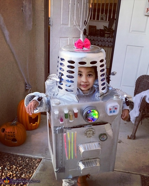 Robot-Mila Costume