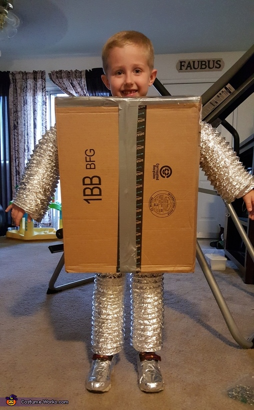 Stage 2, Robot Brody Costume