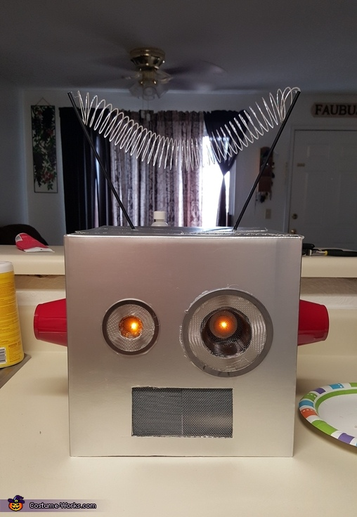 Stage 3, Robot Brody Costume