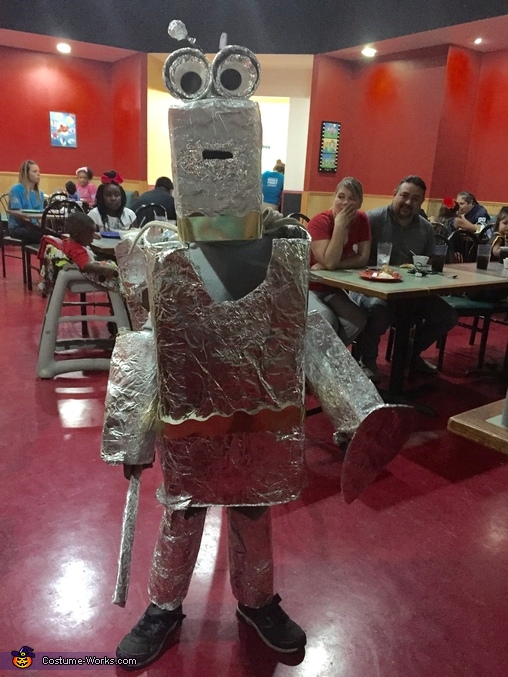 At pizza buffet Halloween night, Robot Costume