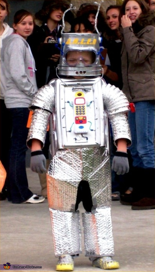 Robot - Homemade costumes for boys