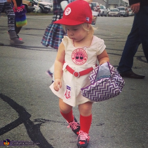 & Rockford Peach Baseball Player Costume