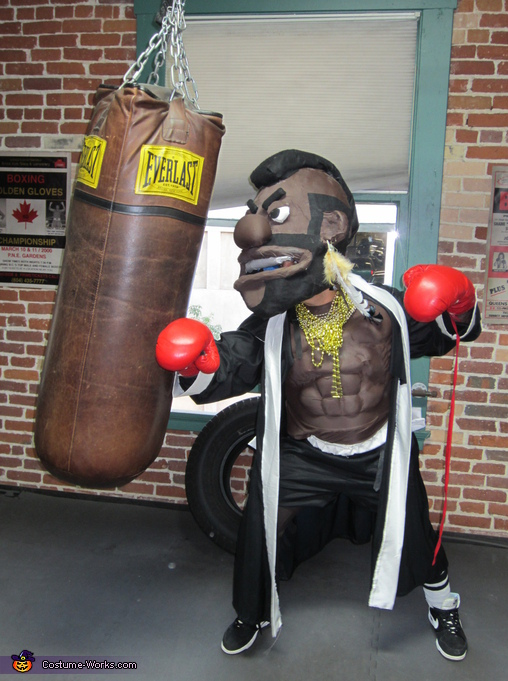 Mr.T hittin' it hard ... old school status, Rocky and Mr.T Homemade Costumes