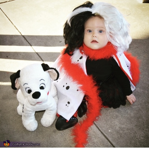 Roger & Anita Radcliffe catch Cruella de Vil Homemade Costume