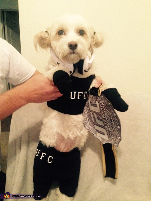 Ronda Rousey Fight Night, Rowdy Ronda Rousey Costume