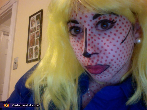 Close-up of face makeup, Roy Lichtenstein Painting Costume