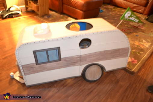 right side of RV, RV Costume