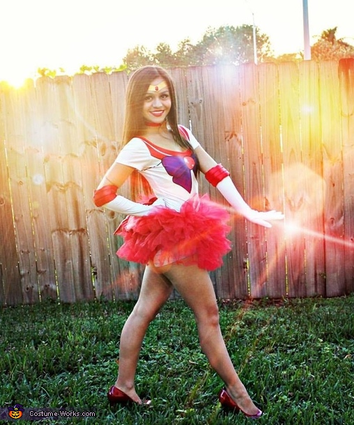 Fighting evil by moonlight, Sailor Mars Costume