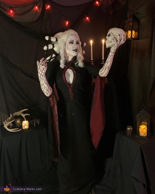 Salem Costume