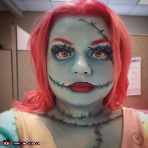 Face close up, Sally Costume
