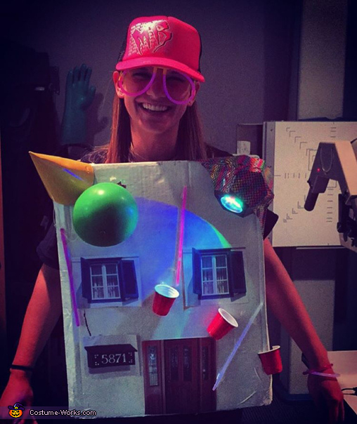 Sam Hunt's House Party Costume