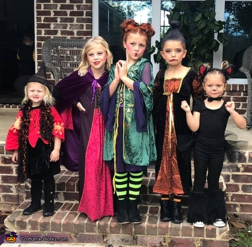 The crew with Dani and Binx, Sanderson Sisters Costume