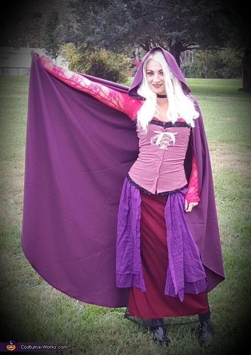 Sarah Sanderson Costume