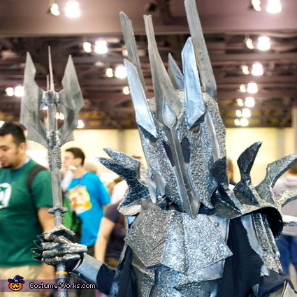 Sauron helmet close-up, Sauron - Lord of the Rings Costume