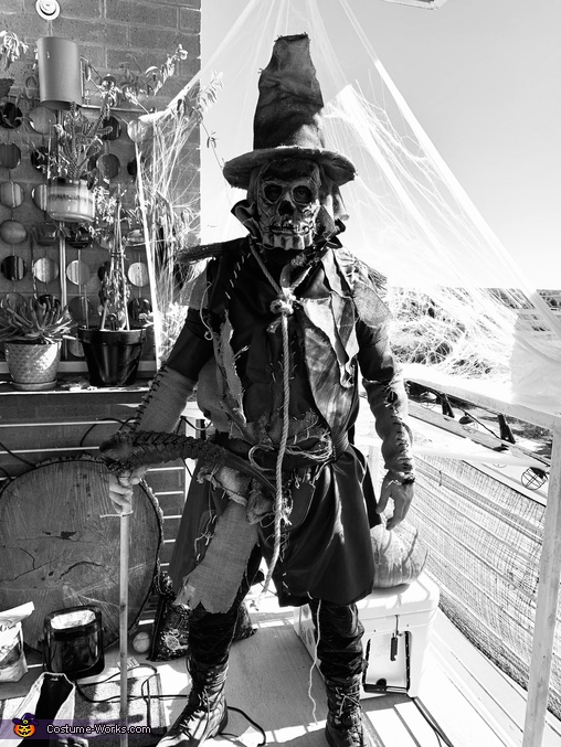 Black and White, Scarecrow Costume
