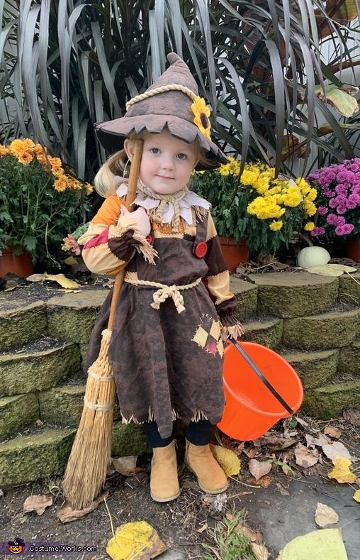Hazel the Scarecrow Costume