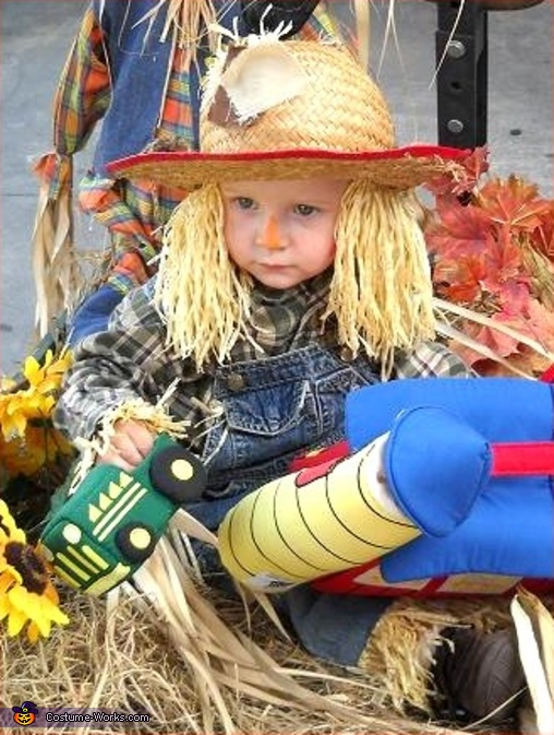 Little Scarecrow - Homemade costumes for kids