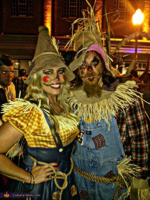 Scarecrows!, Scarecrows Couple Costume