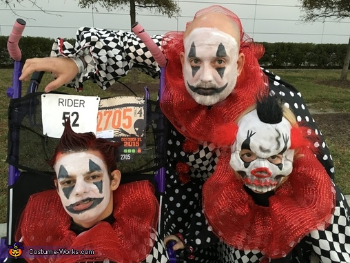 Run, Scary Clowns Costume