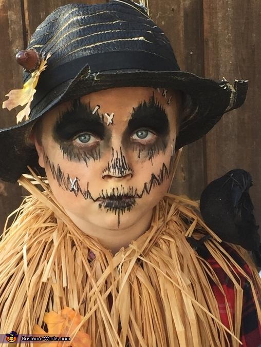 Scary Scarecrow Costume Photo 5 5
