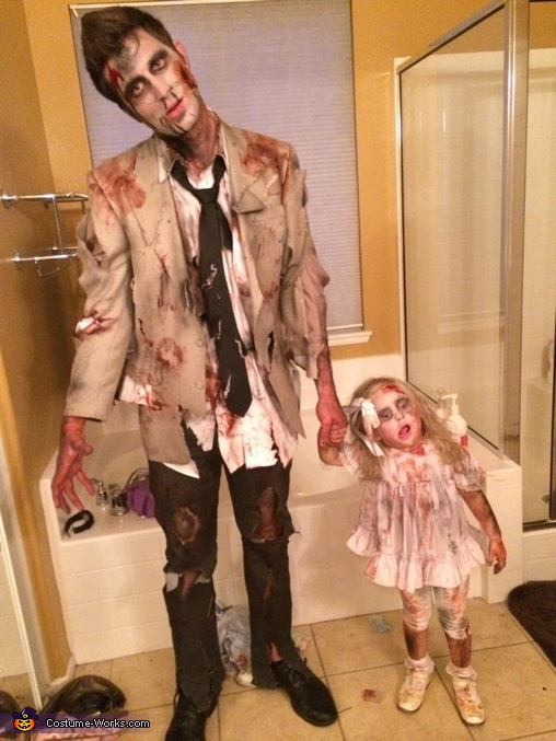 Daddy zombie and zombie toddler , Scary Zombie Family Costume