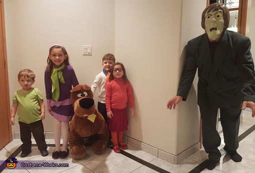Jeepers, it's the Creeper, Scooby-Doo and the Gang Costume