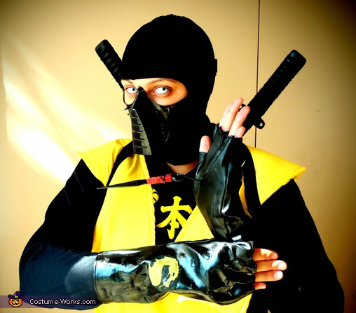 Scorpion from Mortal Kombat - Homemade costumes for adults