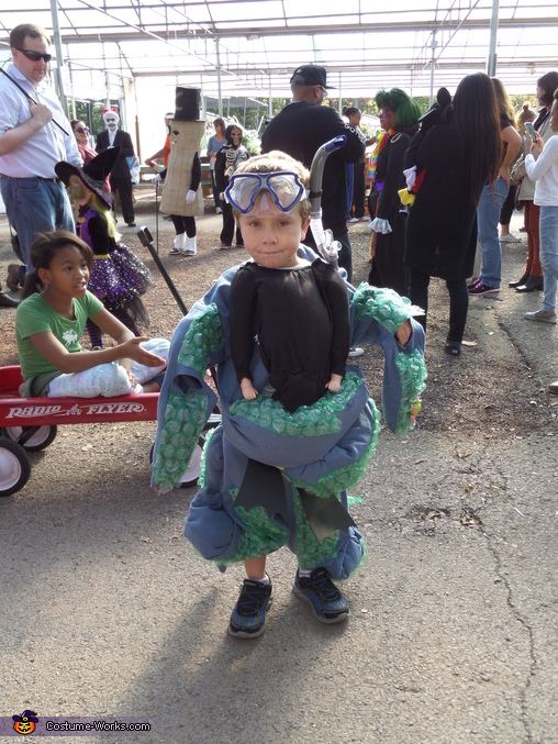 Octo man!, Scuba diver caught by Octopus Costume