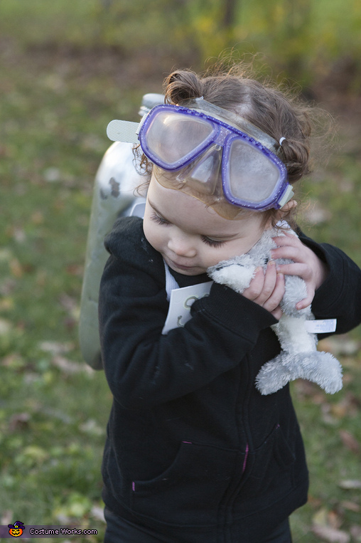 Scuba Diver Toddler: hugging dolphin 2, Scuba Diver Toddler Costume