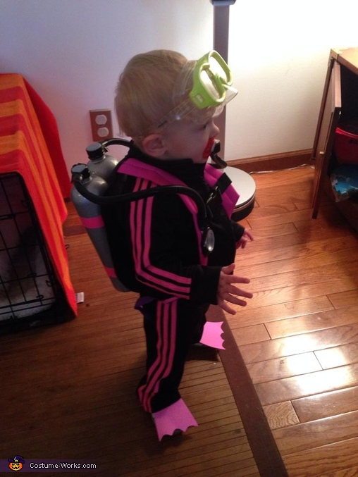 Side view, Scuba Girl Baby Costume