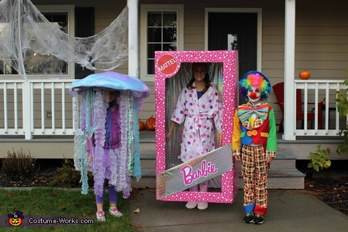 Jelly fish Barbie and clown, Sea Anemone Costume