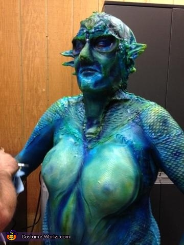 airbrushing , Sea Siren Costume