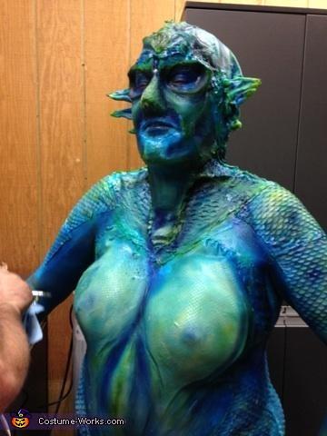 airbrushing , Sea Siren Costume