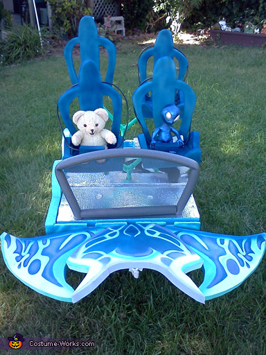 Manta Finished, SeaWorlds Manta Roller Coaster Costume Water Shooter