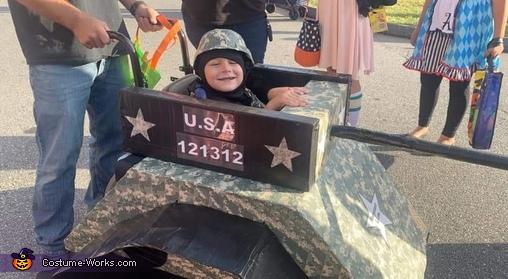Sergeant Liam and his platoon Costume