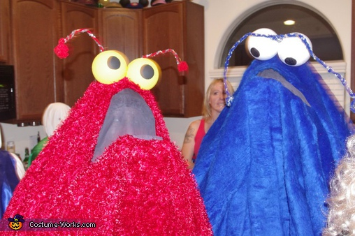 shows the see-through mouth panel ,  Sesame Street Yip Yips! Costume